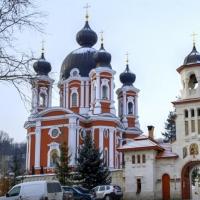 Curchi şi Hirova – două mănăstiri din Codrii Orheiului