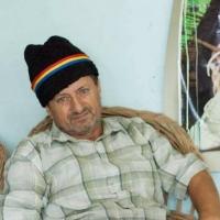 Constantin Olteanu - omul cu coșulețele la poartă
